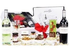 Image of the Premium Wine Christmas Hamper and all the products it contains