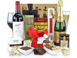 Image of the Penfolds 28 & French Sparkling Christmas Hamper