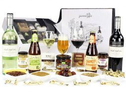 Premium Beer & Wine Hamper and all the products it contains