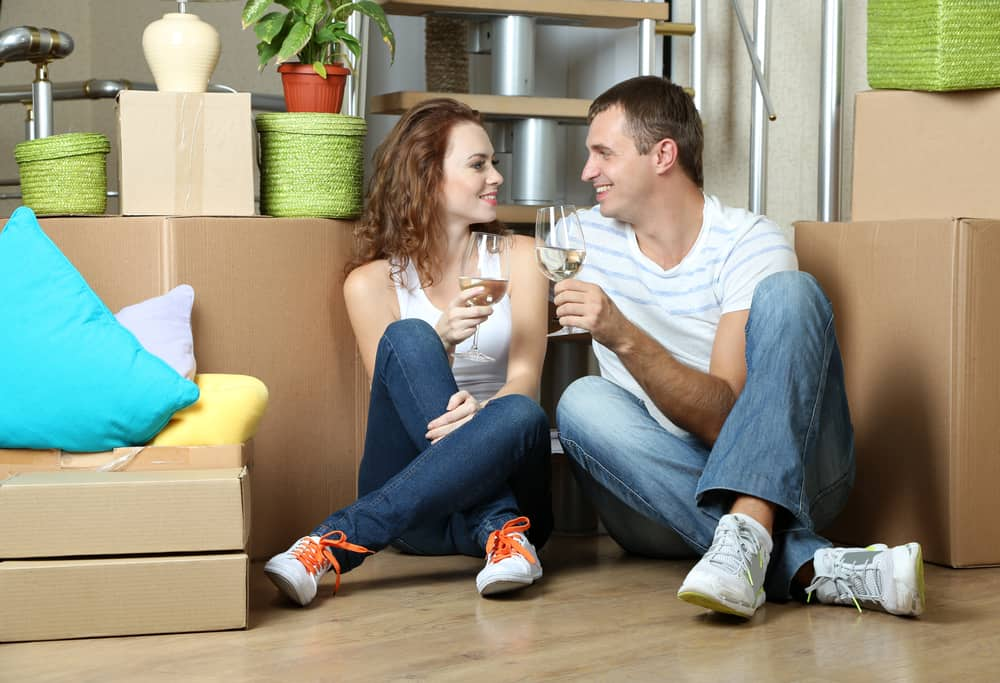 Housewarming gift ideas - wine and food hampers for the new couple