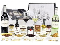 Image of the Premium Red & White Wine Hamper and all the products it contains