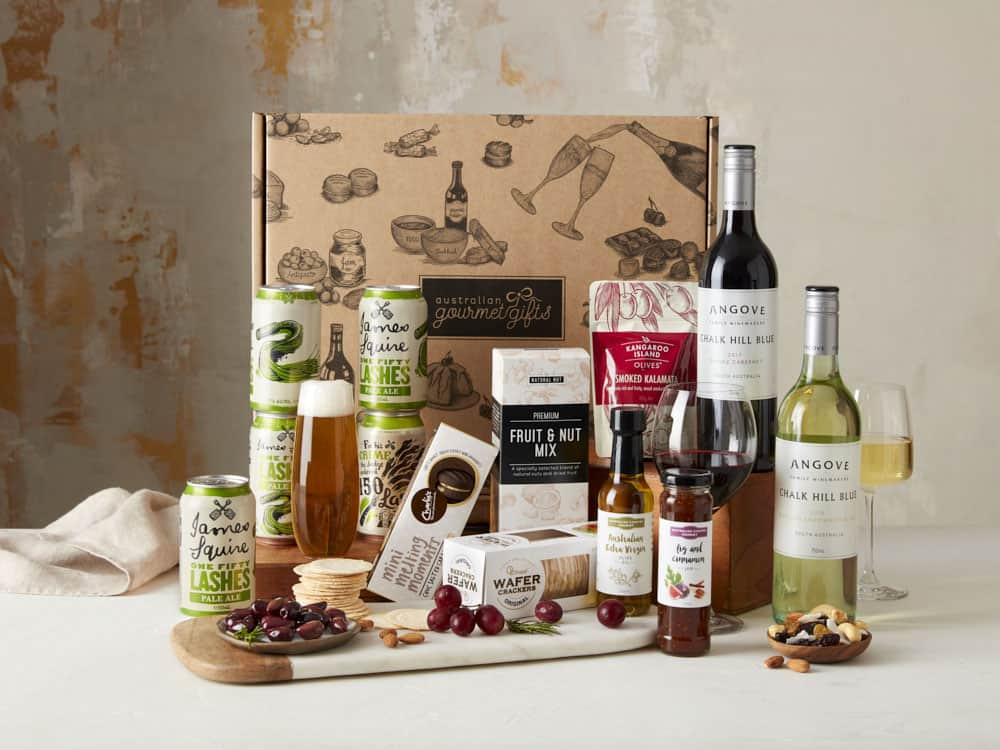 Displaying all the products contained in the Premium Beer and Wine Hampers
