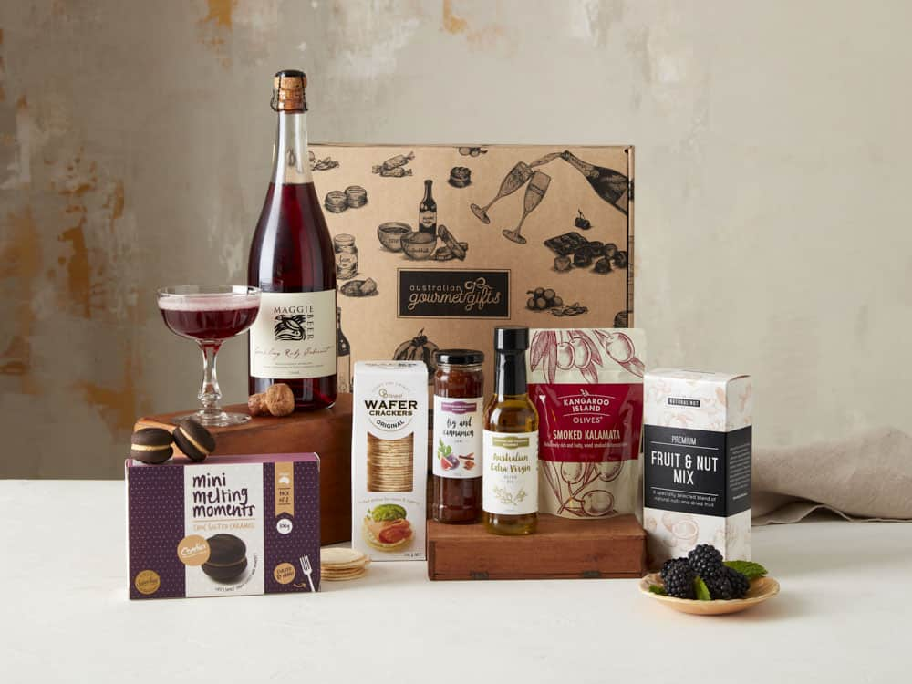 Displaying all the products contained in the Maggie Beer Sparkling Ruby Hampers