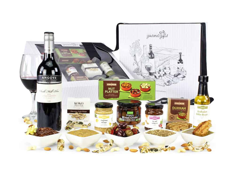 Displaying all the products contained in the Red Wine Hampers