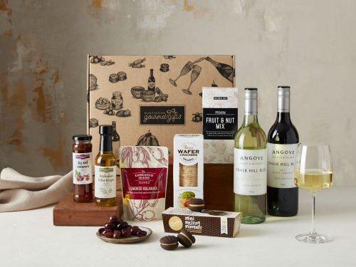 Displaying all the products contained in the Wine Indulgence Hampers