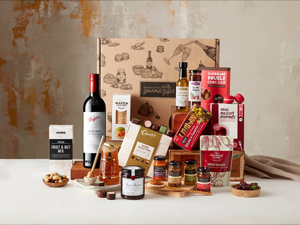 Displaying all the products contained in the Penfolds Baby Grange Extravagance Hamper