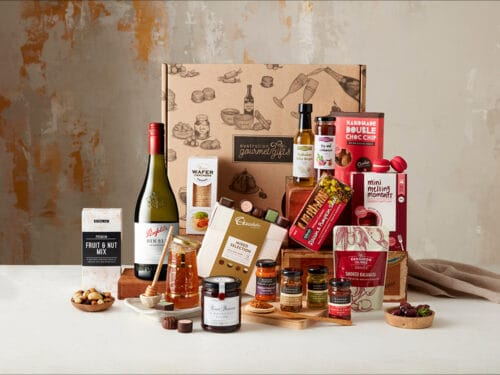Displaying all the products contained in the Penfolds 311 Chardonnay Extravagance Hamper