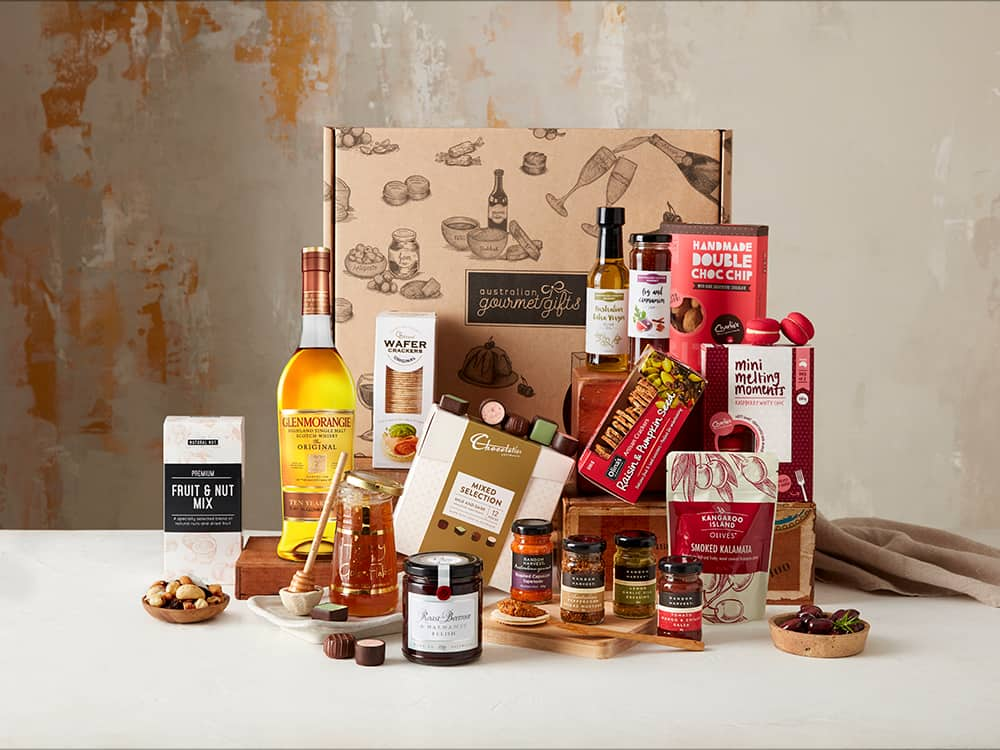 Displaying all the products contained in the Single Malt Whisky Extravagance Hamper